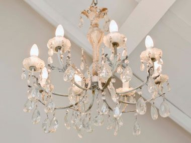 real estate agent secrets chandelier