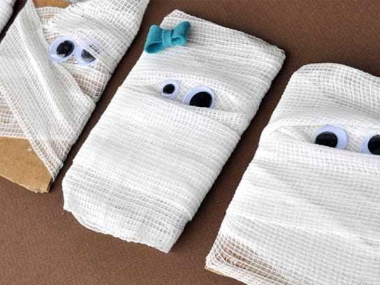 Mummy Seating Cards