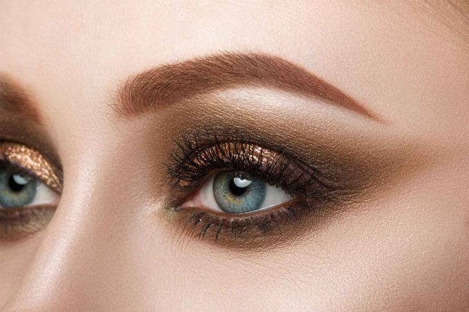 eye makeup tips: 7 ways to make your eyes pop | reader's digest