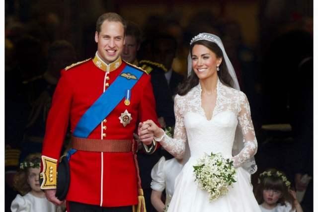 Kate-Middleton's-Wedding-Dress-Had-a-Secret-Message—But-No-One-Knew-About-It_8557469o_Tom-BuchanansilverhubREX-ft