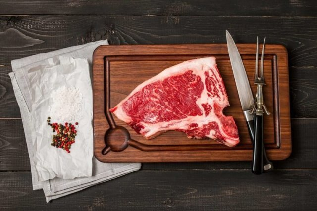 Red-meat  Thes are Foods that can give you a body Odour 01 Red Foods that Could Secretly Be Giving You Body Odor 520355056 Goskova Tatiana 760x506