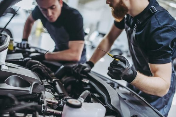 Things Your Car Mechanic Won't Tell You   Reader's Digest