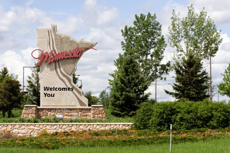 A welcome sign at the Minnesota state line.