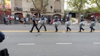 Resultado de imagen para ataque a embajada paraguaya en Argentina