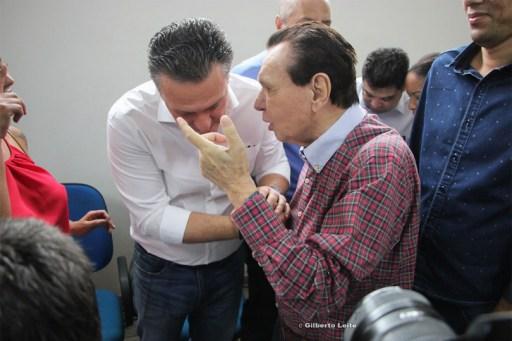 Carlos F�varo e Carlos Bezerra