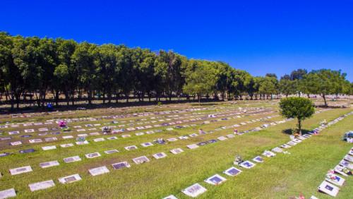 Mortes coronav�rus cemit�rio Parque Cuiab�