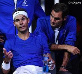Rafael Nadal e Roger Federer durante un cambio campo - Team Europe - Laver Cup 2019 Ginevra