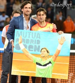 Feliciano Lopez regala un ritratto a David Ferrer - Mutua Madrid Open 2019 - foto di Roberto Dell'Olivo