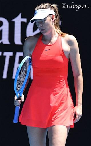 Maria Sharapova durante il suo ultimo match contro Donna Vekic - Melbourne - foto di Roberto Dell'Olivo