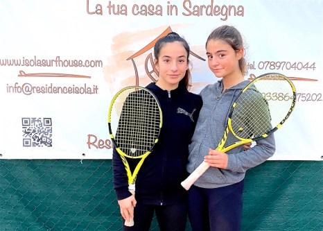 Le due Giulie della scuola tennis del Tc Palau