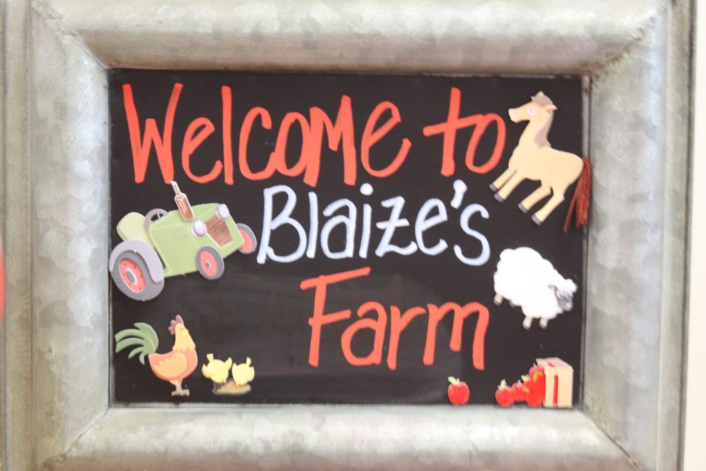 Barnyard birthday party chalkboard sign