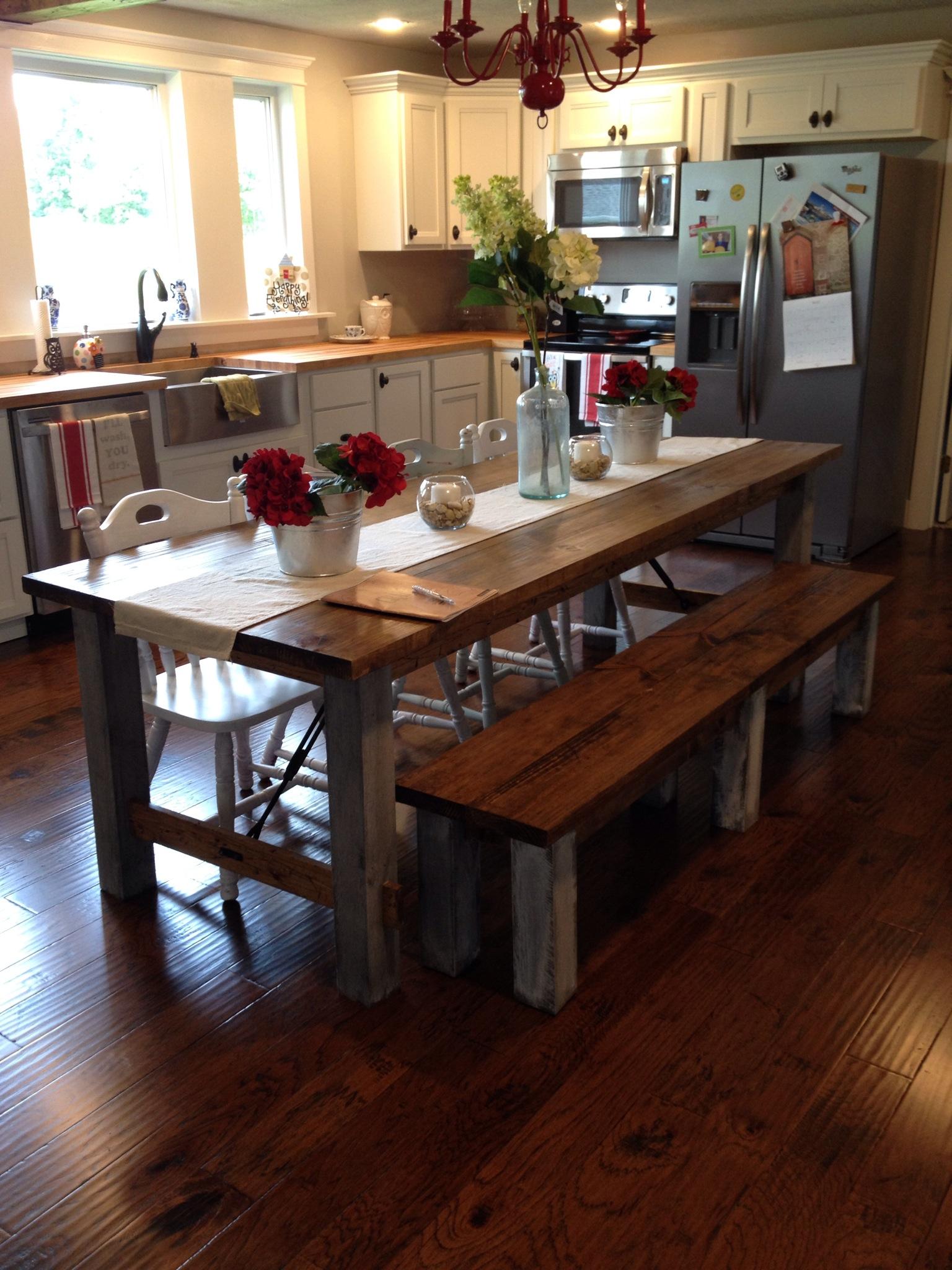 Farmhouse DIY kitchen table