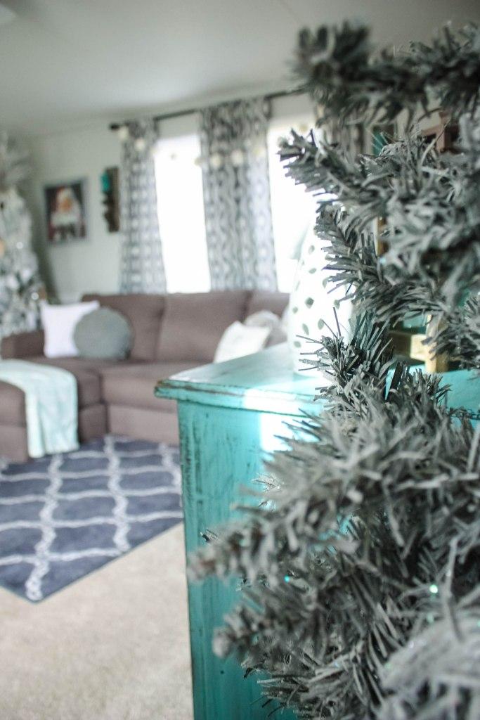 mobile-home-christmas-tour-17