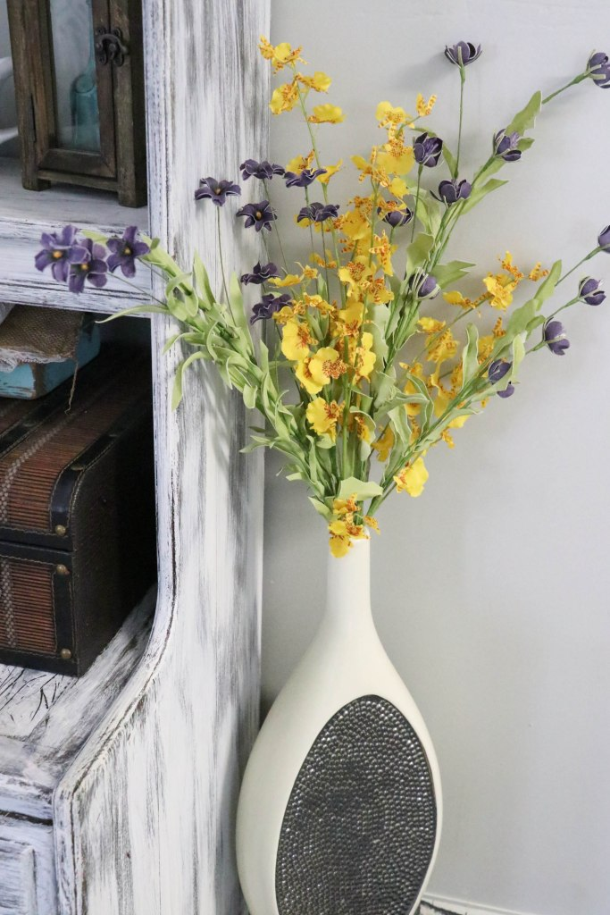 Top tips on how to Transition to Farmhouse Style in your home decor on a budget!