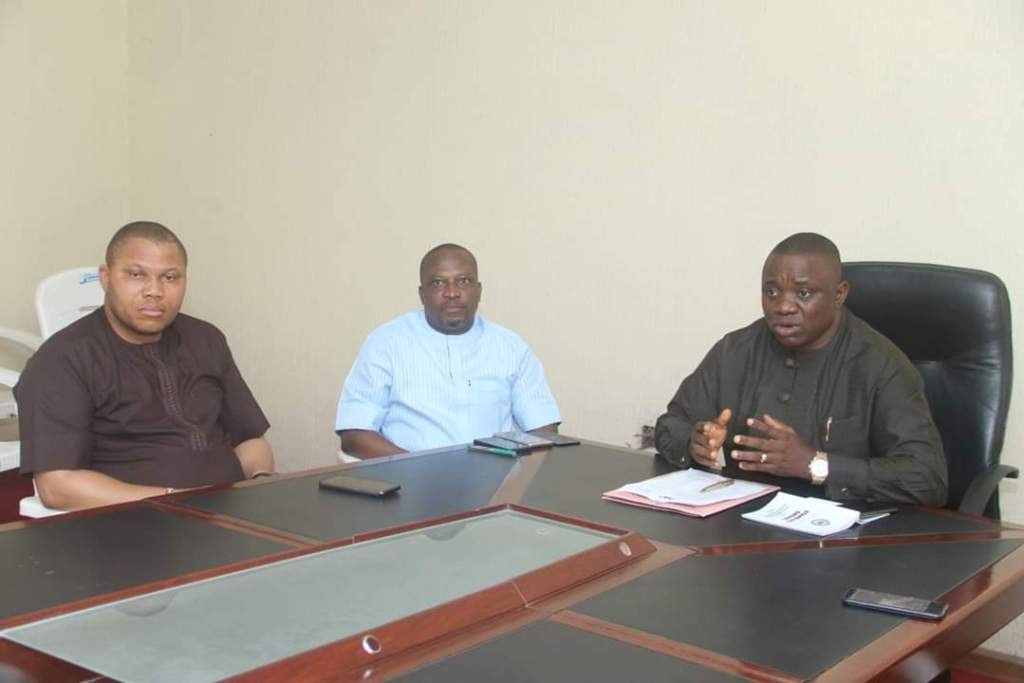 L-R Chairman House Committee on Special Projects, Rt. Hon. Aniekan Uko addressing members of the Committee