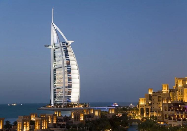 Burj al Arab in Abu Dhabi