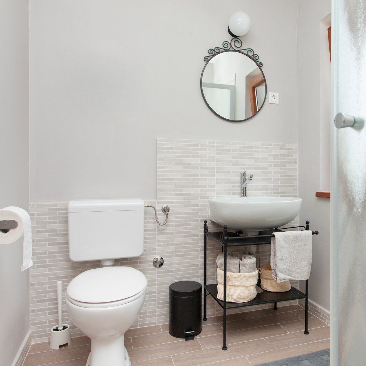 10 Small Bathroom Ideas That Make a Big Impact | Reader's ... on Ideas For Small Bathrooms  id=65228