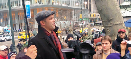 Matt Taibbi speaking at an Occupy Wall Street day of action, February 29th, 2012. (photo: Foreclose The Banks)