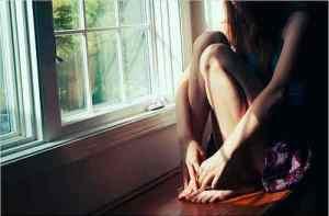 tin-sad-girl