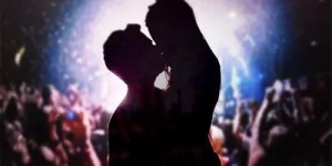 night-we-said-yes-concert-kiss