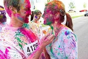 color-run-couple