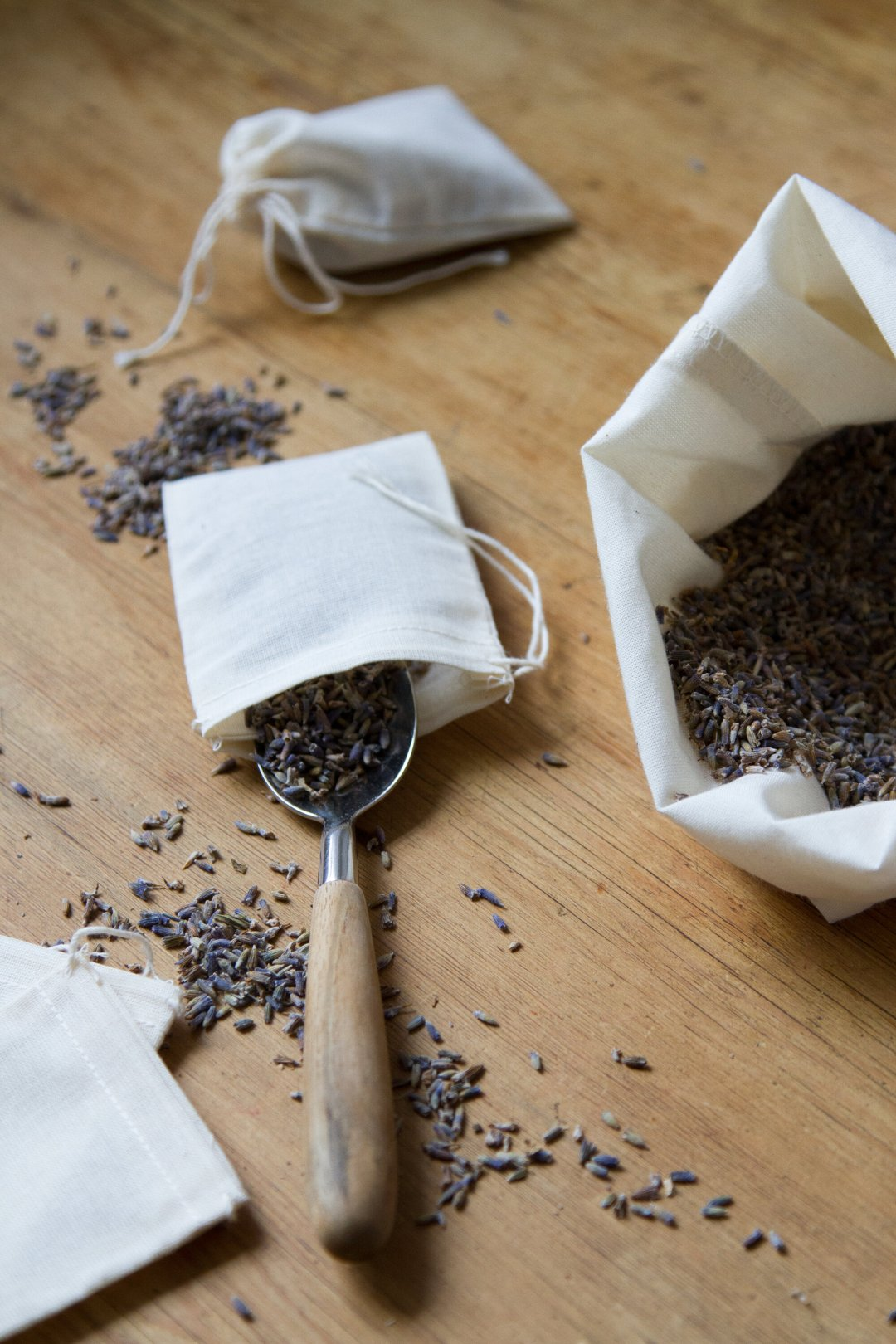 spring cleaning, two ways | reading my tea leaves