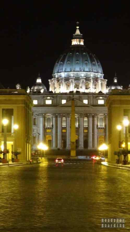 Watykan nocą