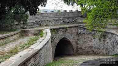 Mur wokół grobowca