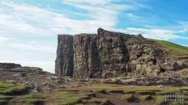 Klify na wyspie Vágar - Wyspy Owcze