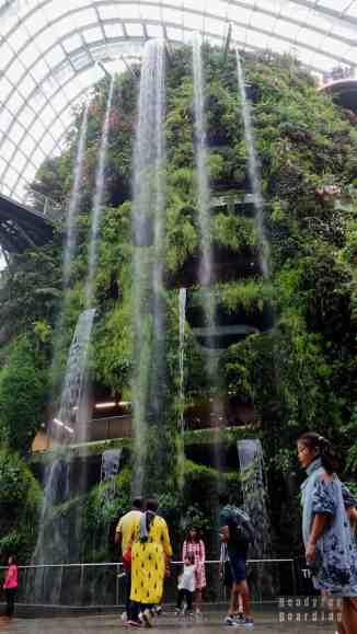 Wodospad w Cloud Forest, Gardens by the Bay - Singapur