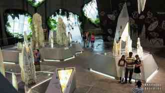 Crystal Mountain w Cloud Forest, Gardens by the Bay - Singapur