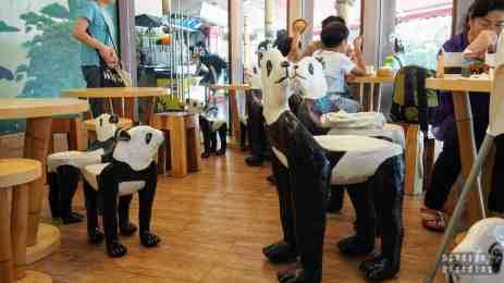 Kawiarnia w River Safari, Zoo Singapur