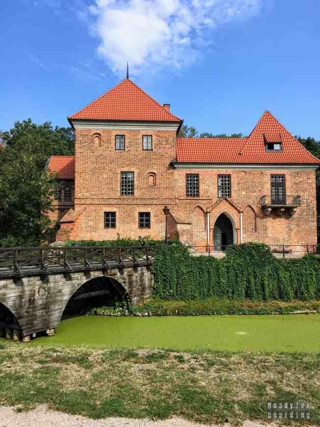 Zamek w Oporowie, województwo łódzkie