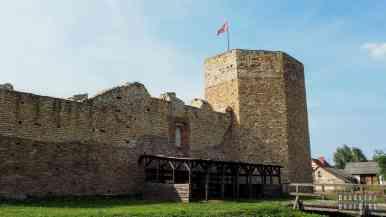 Zamek w Inowłodzu - zamki województwa łódzkiego
