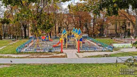 Place zabaw, Lwów