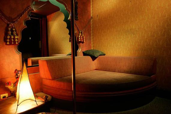 love_hotel_paris_3379_570x