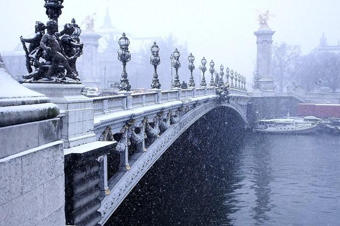 Nevo en Paris. Aqui desde Invalides