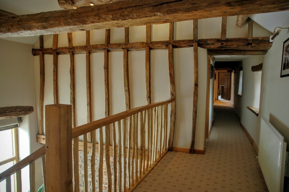 Upper landing, wooden beams Yew Tree Farm Reagill