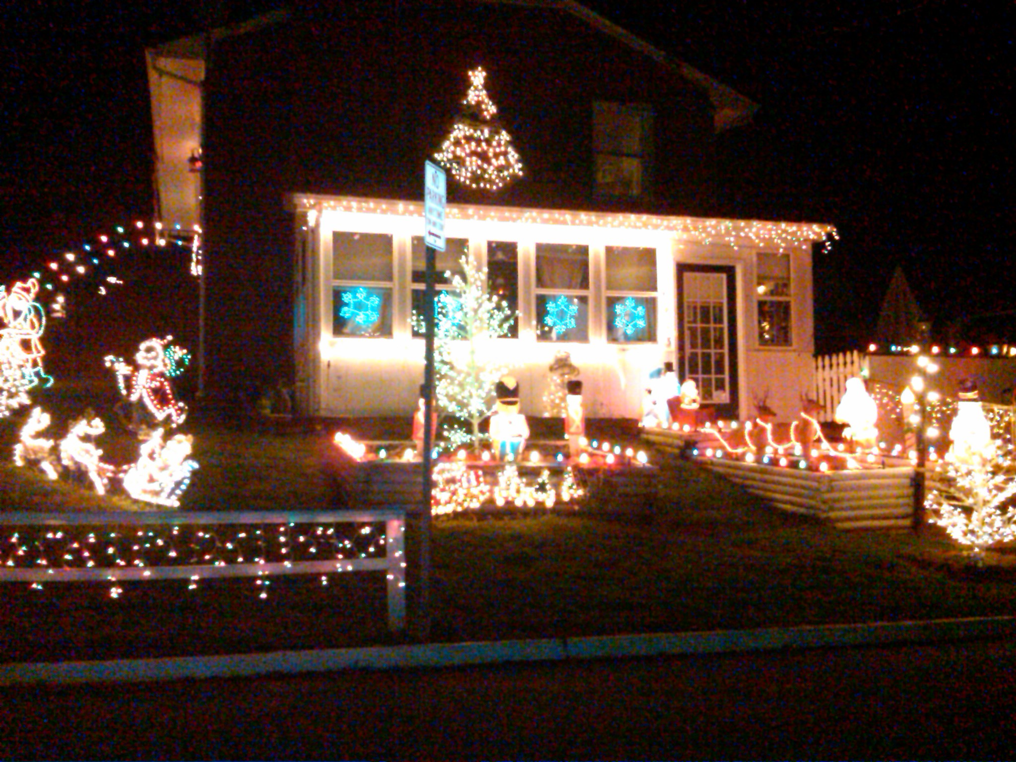 Where Are the Best Christmas Lights in Charlottesville?