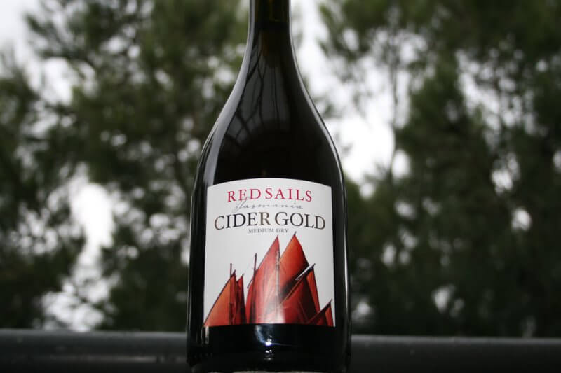 Red Sails Medium Dry Gold Cider