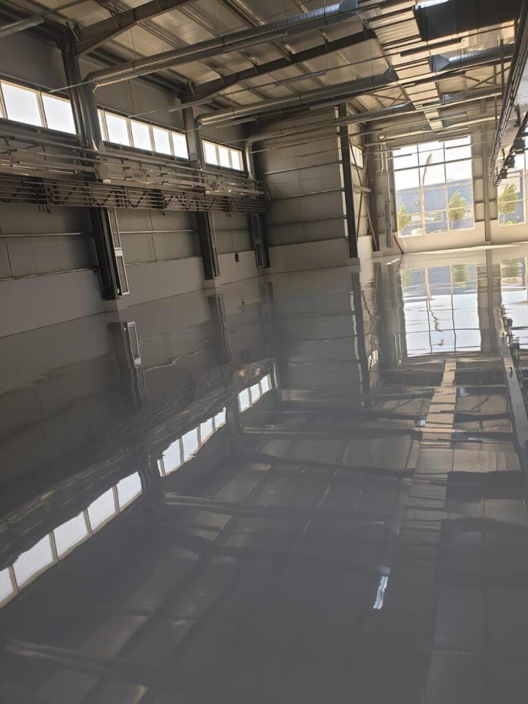 Pavimento In Resina Foto il settore chimico farmaceutico è tra i primi interessati