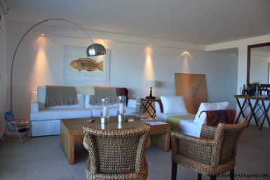 319-32-Extraordinary-Apartment-with-Direct-Access-to-Sea