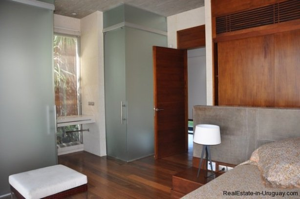 3980-Modern-Country-House-in-Punta-Piedras-1170