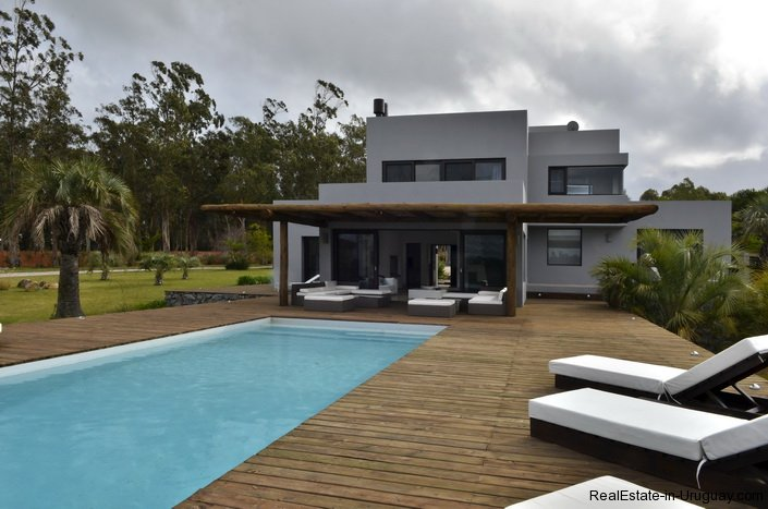 4307-Modern-Brand-New-Home-for-Rent-286