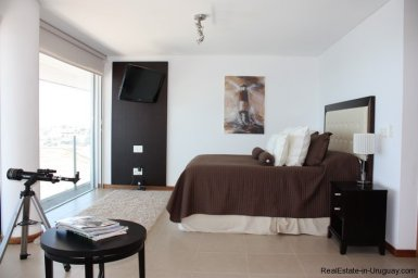 4362-Spectacular-Modern-Penthouse-on-Los-Ingleses-Beach-300