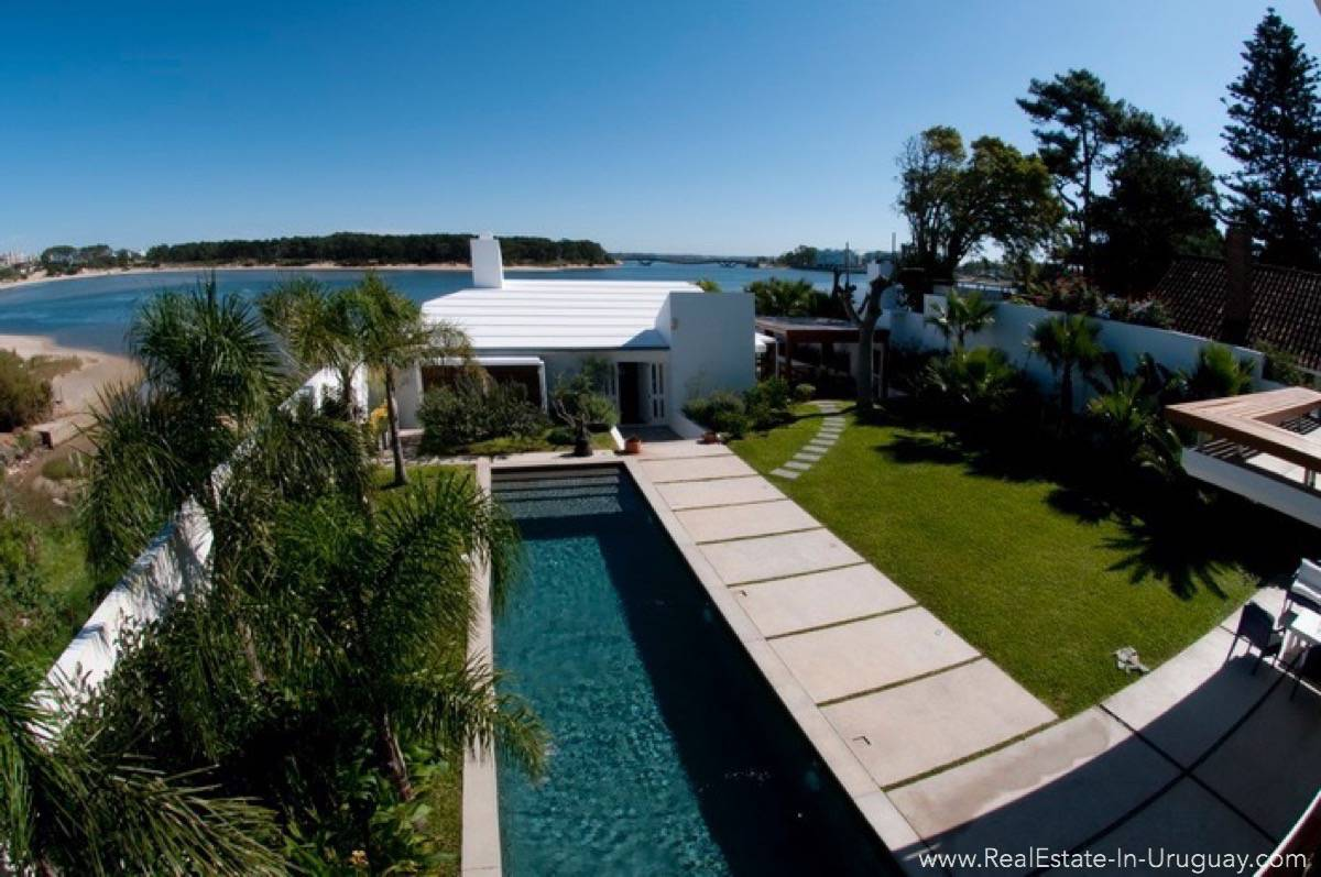 Modern Designer House - Pool