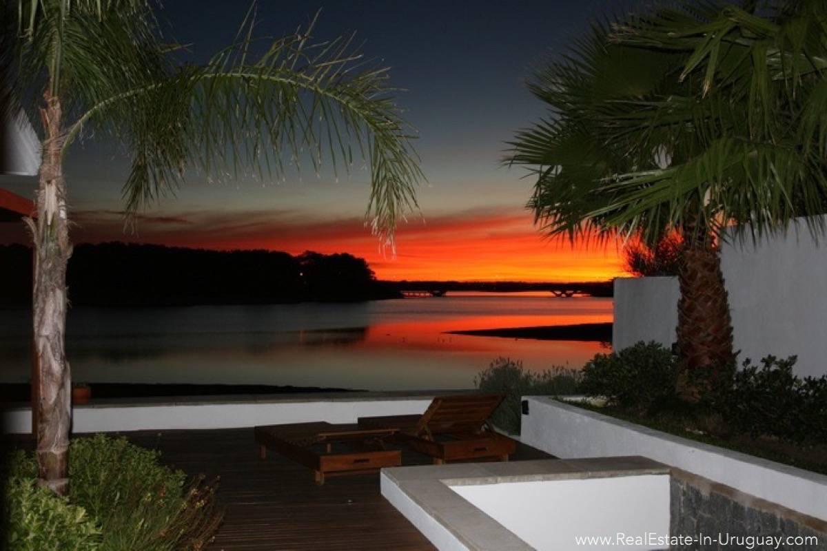 Modern Designer House - Sunset View