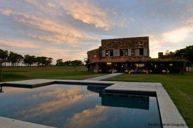 4006-Cozy-Spectacular-Modern-Inn-in-El-Chorro-by-Punta-Piedras-88