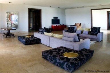4021-Modern-Farmland-House-in-Laguna-del-Sauce-838