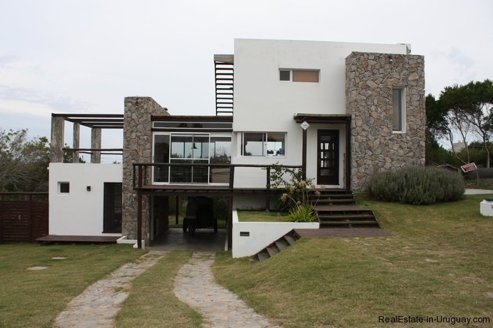 4046-Exceptional-Modern-Home-533